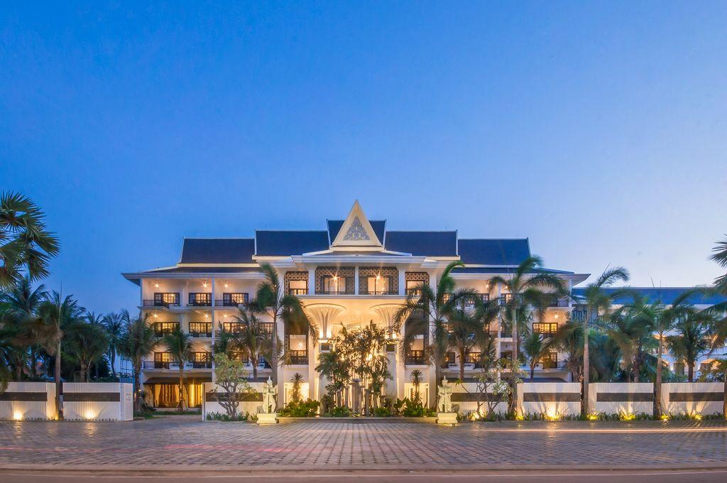 Lotus blanc hotel facade