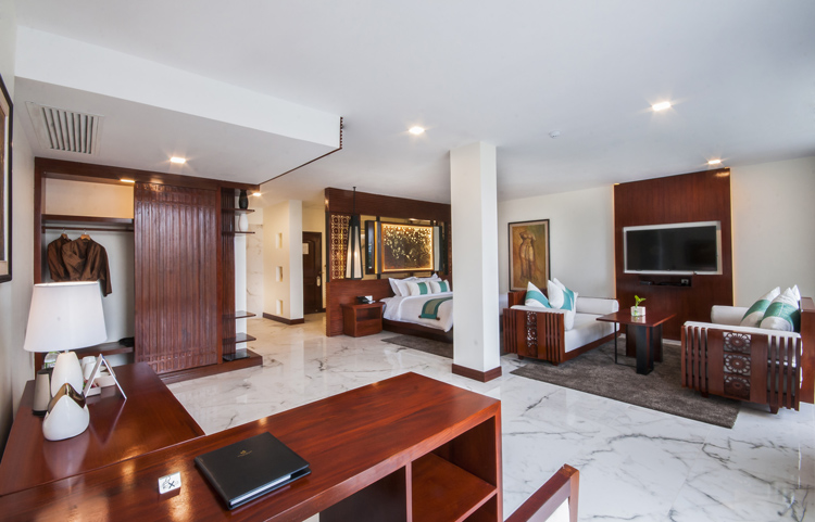 <p>lotus suite living room</p>
